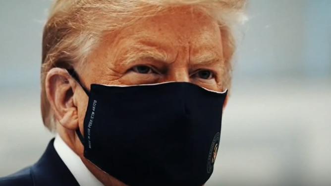 Trump se enfada con sus abogados por cómo le defienden en el juicio político