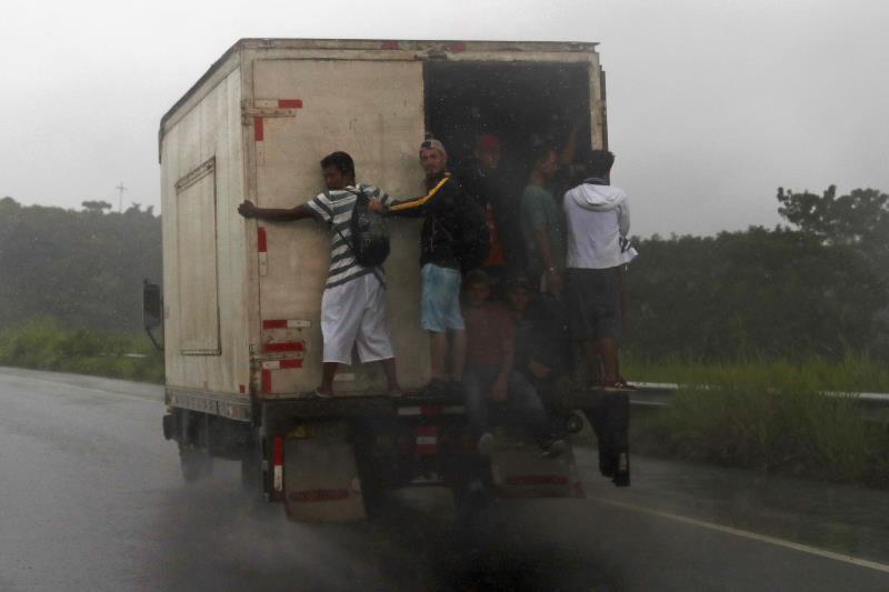 camion con inmigrantes
