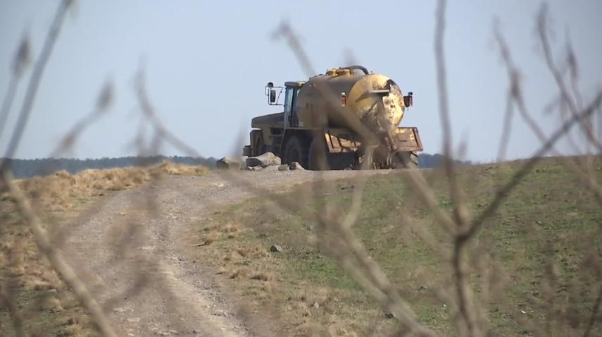 Alabama ordena a compania a dejar de esparcir desechos avicolas