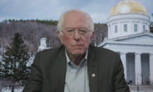 El senador Bernie Sanders muestra su apoyo, a la sindicalización del centro logístico de Amazon en Bessemer
