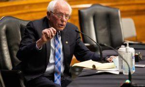 Exempleados de Sanders le piden que use su poder en pro de los indocumentados