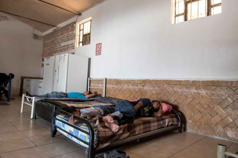 camas en california para menores inmigrantes