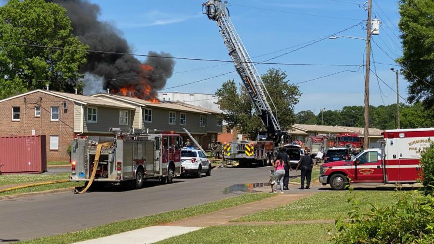 1 muerto en incendio en John Bryan Road