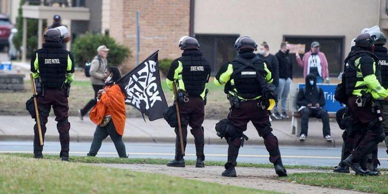 Minesota despliega 500 soldados ante protestas y el desenlace del juicio por Floyd