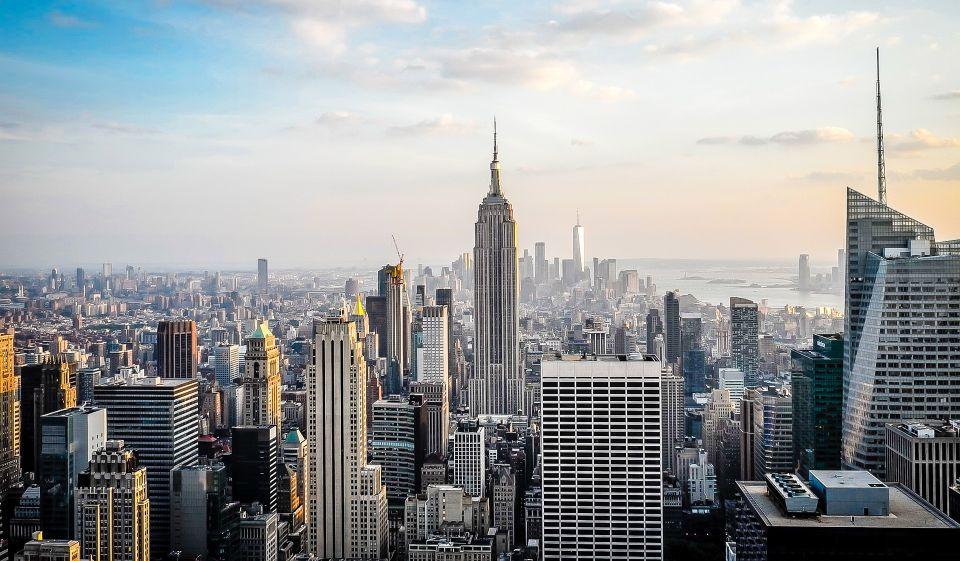 """Nueva York """"reabrirá por completo"""" el 1 de julio o antes"""