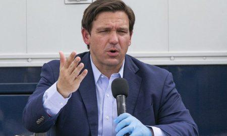 el gobernador florida ron desantis una presentacion publica