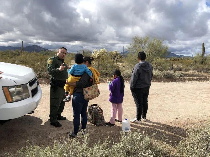 Crean ley que evitaría separación o detención de familias y niños migrantes