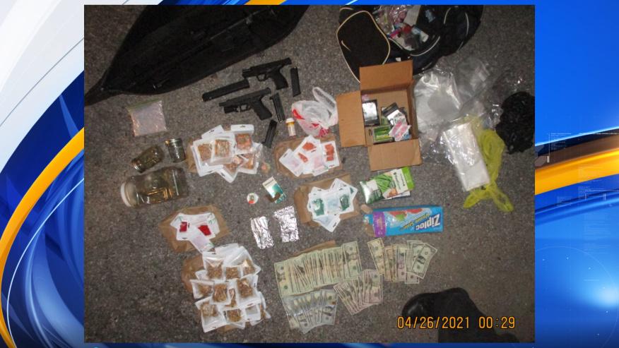policia descubre armas y drogas en bote en Tuscaloosa