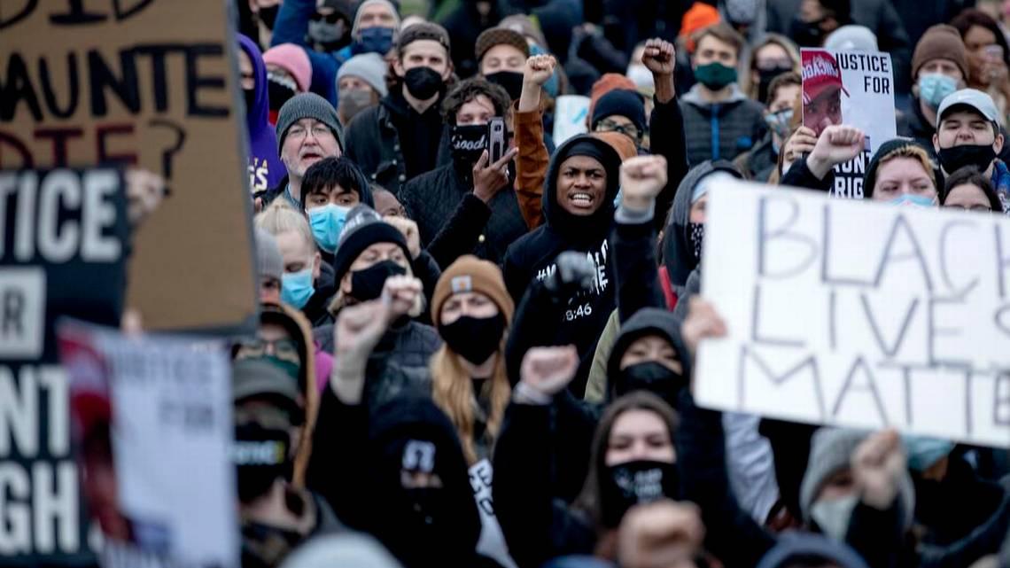 tercer dia de enfrentamientos en Minneapolis