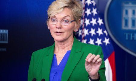Gobierno admite crisis en el suministro tras ciberataque contra oleoductos