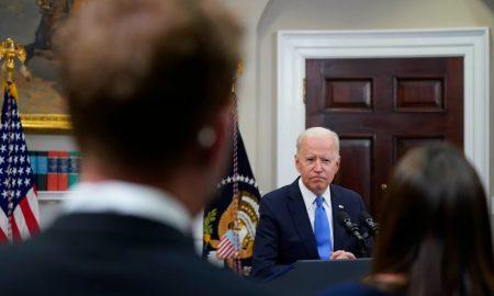 Biden recibe a soñadores en la Casa Blanca para promover reforma migratoria