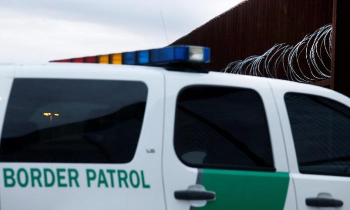 Capturan a 24 migrantes en un vagón tolva en Texas