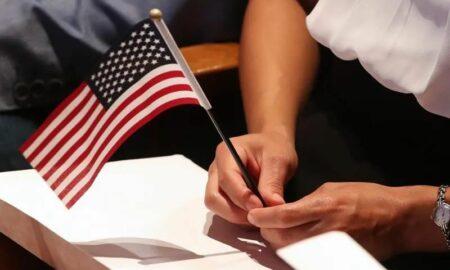 USCIS anuncia 10 millones para organizaciones que promuevan la ciudadanía