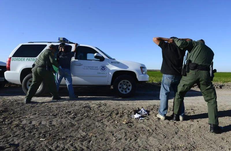 Agentes fronterizos matan a un conductor en una persecución en California