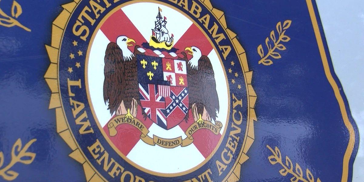 Alabama debate eliminación de bandera confederada del escudo de armas