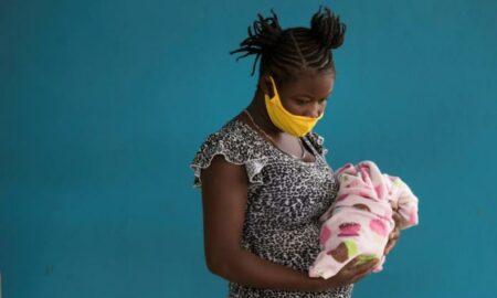 Denuncian deportación de estadounidenses recién nacidos con madres migrantes