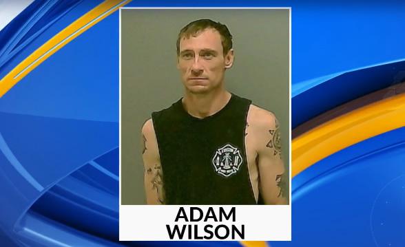 Hombre de Morgan usó un arma y un cuchillo durante el secuestro de una niña