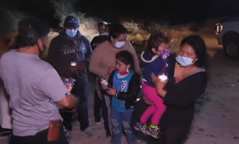 Más de 2.100 menores cruzan la frontera tras ser expulsados con sus familias