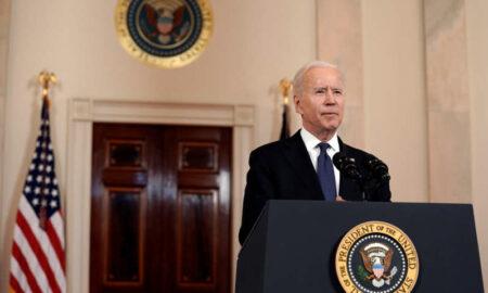 """Biden recurre a """"influencers"""" para incentivar la vacunación entre los jóvenes"""
