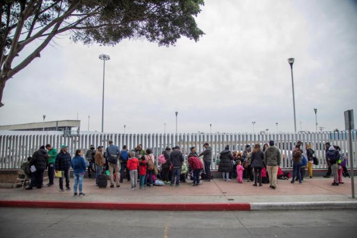 """Un total de 8.387 personas entraron al país tras fin de """"Quédate en México"""""""