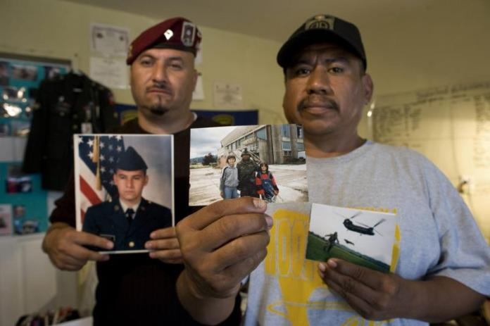 """Veteranos deportados piden a Biden a """"traerlos de vuelta"""" a su hogar en EEUU"""