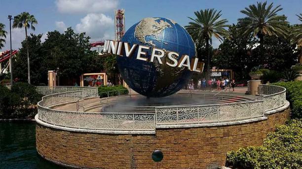 Parque Universal Orlando deja de exigir el uso de mascarillas a los vacunados