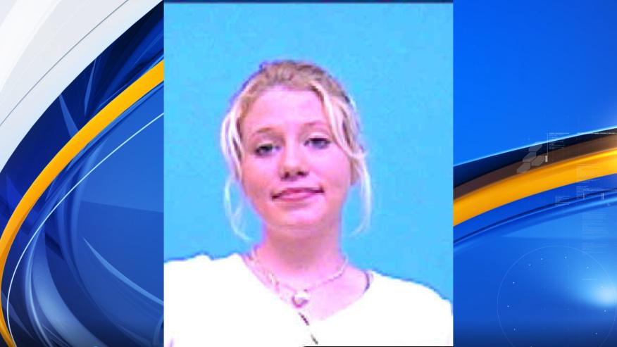 Autoridades piden ayuda del público para localizar a la familia de una mujer de 36 años