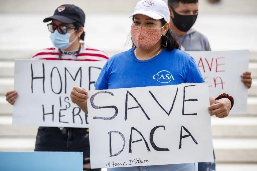 Más de 50.000 nuevas solicitudes de DACA esperan ser procesadas