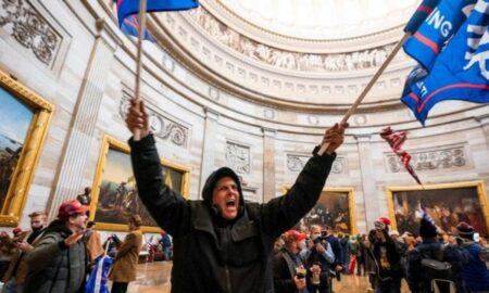 Hombre se declara culpable de asalto al Capitolio en caso que será precedente