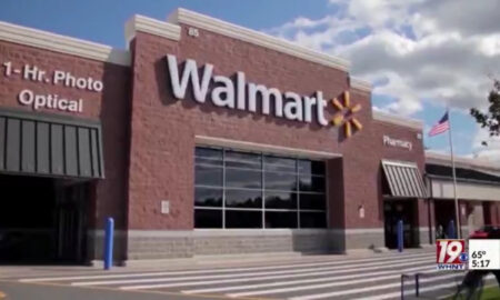Recompensa de $ 7,500 por información de responsables en incendios provocados en Walmart