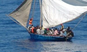 Interceptan embarcación con 16 migrantes que trataban de llegar a California