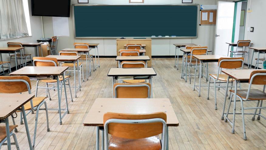 Maestros y empleados escolares de Alabama se jubilan en masa