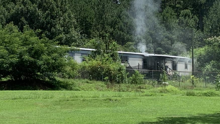 Niño de 7 años muerto en incendio de una casa móvil en el condado de Jefferson