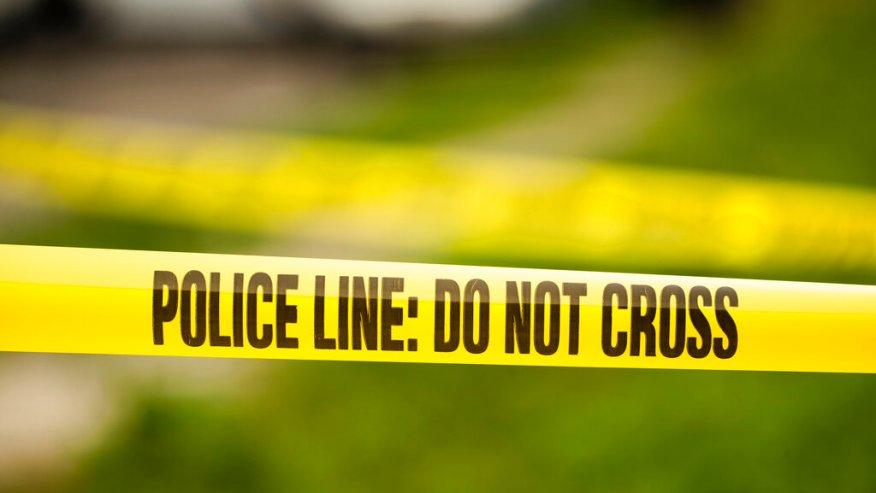 Peatón muerto después de ser atropellado por automóvil en Lakeshore Parkway