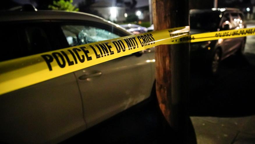 Hombre muere en accidente automovilístico con un remolque y un camión de mantenimiento