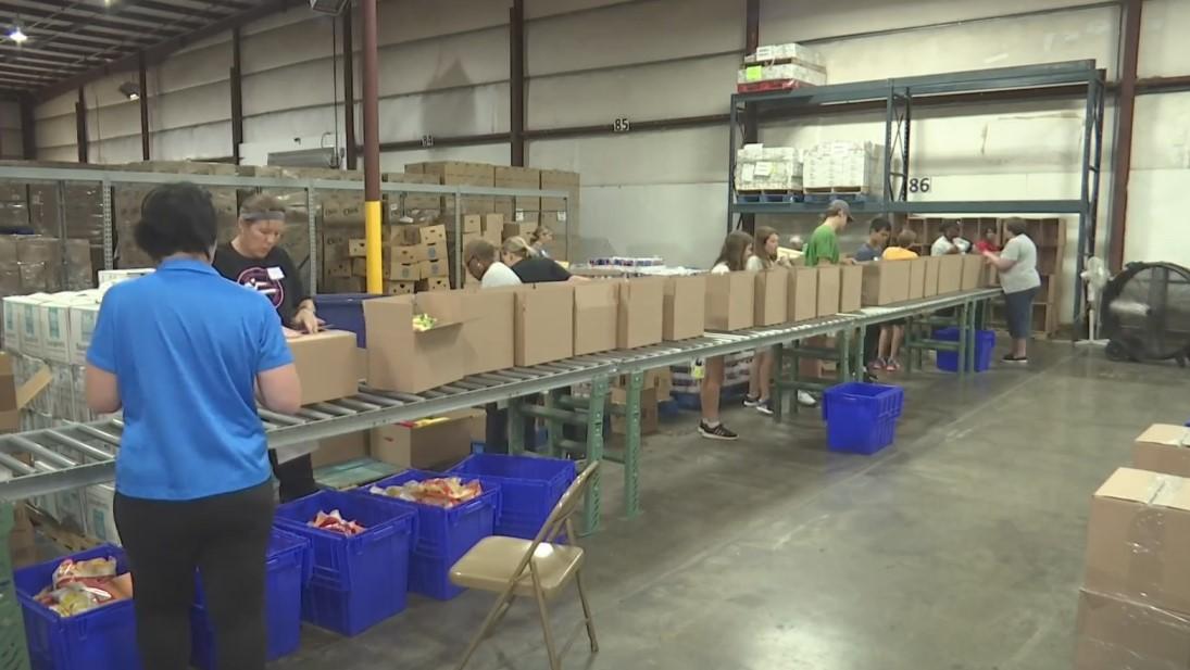 El banco de alimentos de Birmingham ayuda a las víctimas de la tormenta del condado de Shelby; espera atender a 700 familias