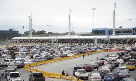 El Gobierno extiende el cierre en las fronteras con México y Canadá
