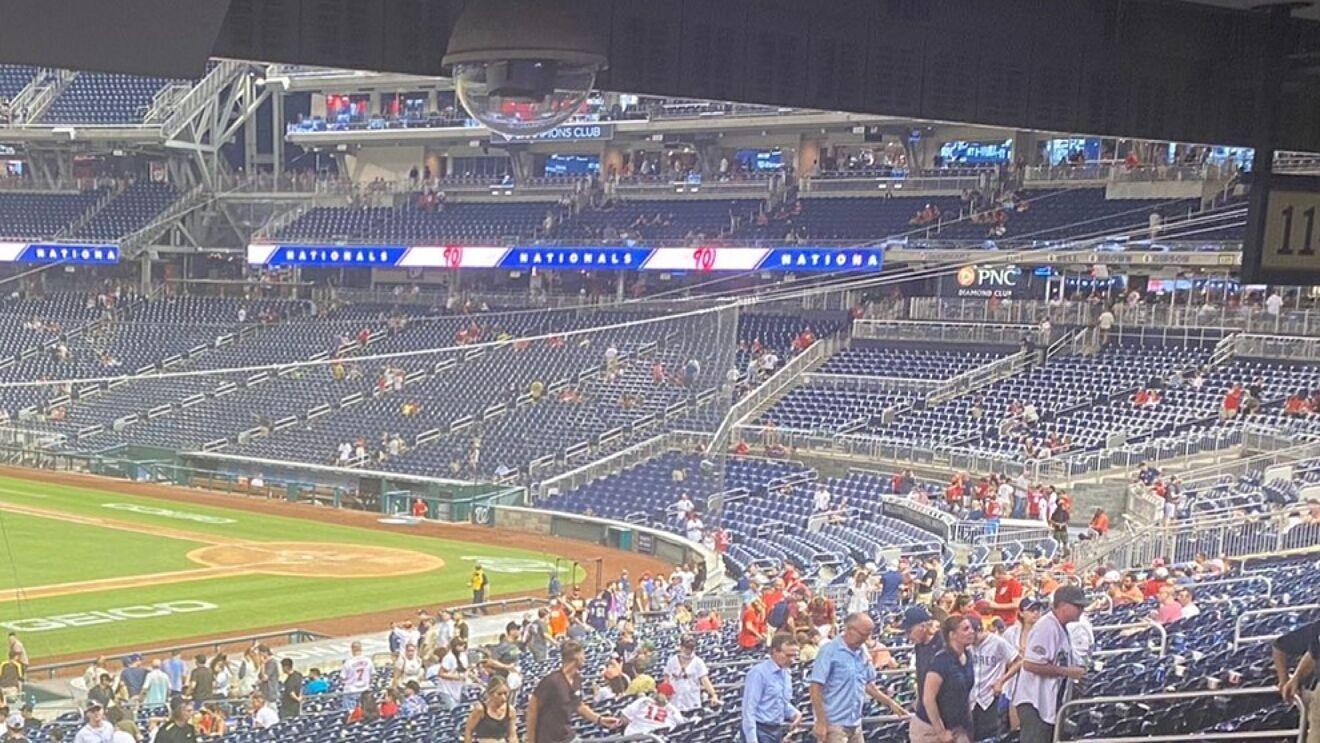 Suspenden un partido de béisbol en EE.UU. por un tiroteo fuera del estadio