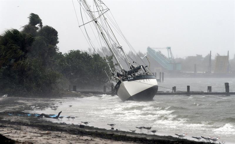 La tormenta Elsa se mueve rápidamente hacia el Caribe y puede fortalecerse