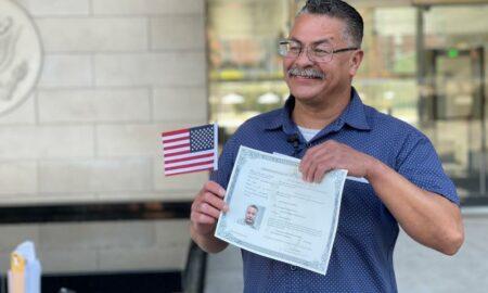 Veterano deportado que demandó al Gobierno se convierte en ciudadano de EEUU