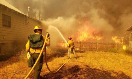 El incendio Dixie es ya el tercero más grande en la historia de California