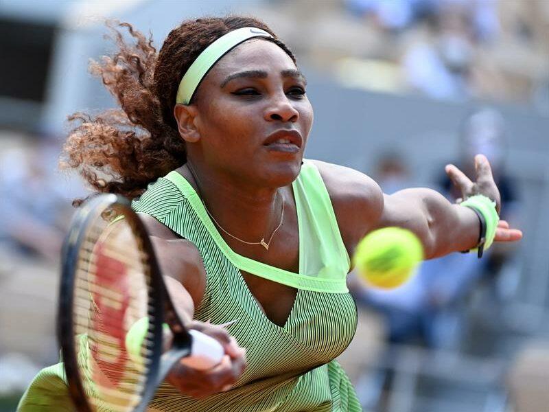 Serena Williams se retira del Abierto por un desgarro en el tendón