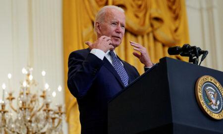 Biden ordenará la vacunación obligatoria de todos los empleados federales