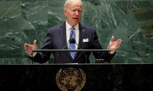 """Biden asegura que el poder militar de EEUU solo debe ser el """"último recurso"""""""