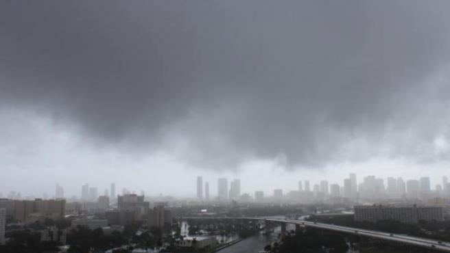 Nicholas, que puede ser huracán, se acerca a Texas y el noreste de México