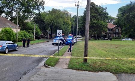 2 oficiales de Birmingham y otros 2 enviados al hospital después de accidente