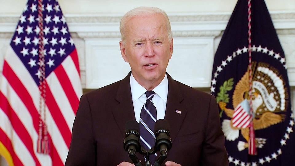 Biden ordena la vacunación de la mayoría de empleados de EE.UU.