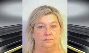 Arrestan al ex comisionado de licencias del condado de Tuscaloosa