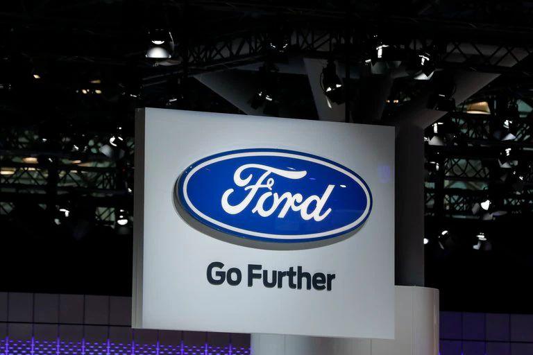 Ford y Walmart lanzan un servicio de entrega a domicilio con coches autónomos