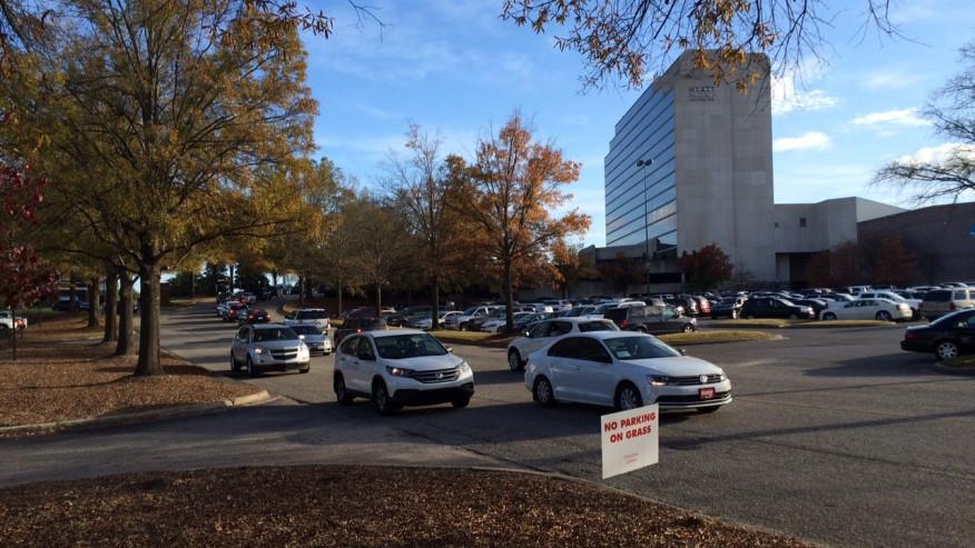 La policía de Hoover detiene a una abuela que dejó a un niño de 8 meses en un vehículo en Galleria